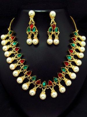 Stone studded fancy pearl set.