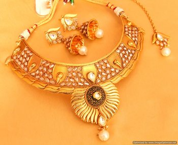 Antique Gold Look Polki Choker Necklace Set