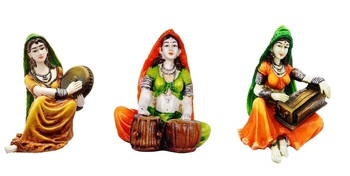 Polyresine Set of 3 Ladies Playing Different Instruments Showpiece