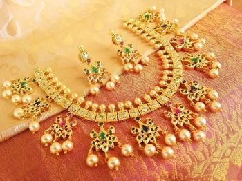 Divine Tri-color Uncut Stone Designer Necklace Set