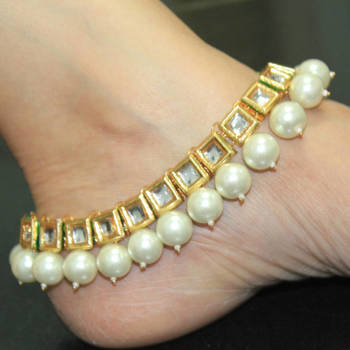 Kundan and pearl ankle bracelet