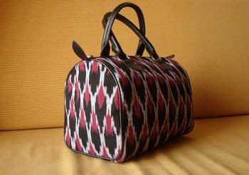 Ikat Handbag - Black and pink