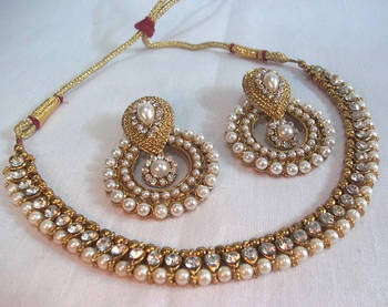 0489e1b1861e3 Golden pearl polki necklace set