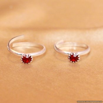 Red Zircon Studded Single Stone Adjustable Toe Ring