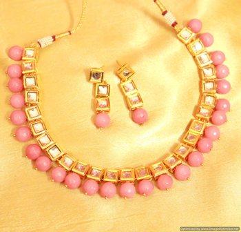 Pink Onyx Kundan Single Line Necklace Set