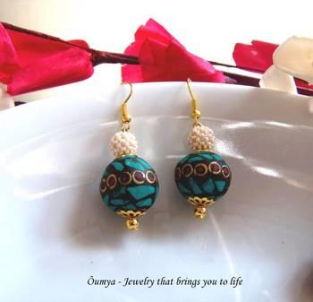 Ferozi golden ball earrings