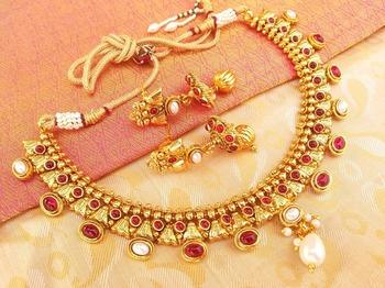Amazing Pink  & White Kemp Necklace set