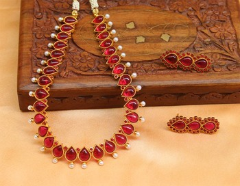 Lovely Gold Plated  Necklace Set