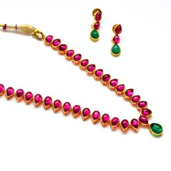 Anvi's kempu necklace