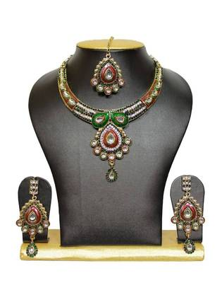 One-of-a-Kind Bidal Kundan Necklace Set in Multi Colour 3