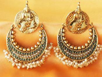 Gorgeous  temple  earrings