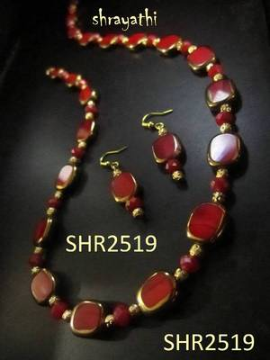 Square red glass beads necklace set