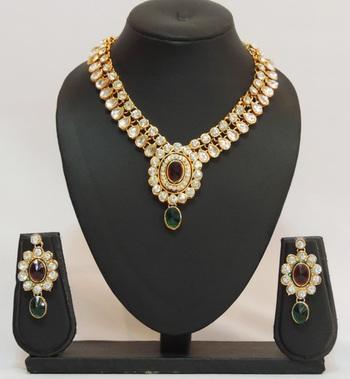 Red Green Kundan Teardrop Necklace Set