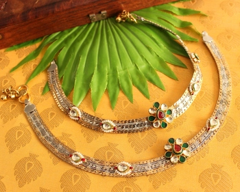 Gorgeous Two Tone Trendy Kundan Anklets