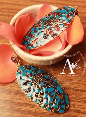 Blue Crystals Leaf Shape Taco Shell Earrings, Golden Lining BLue Gemstone Studded