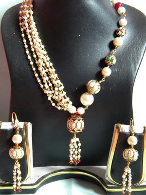 beauty of pearls with minakari
