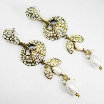 Victorian Long Earring White