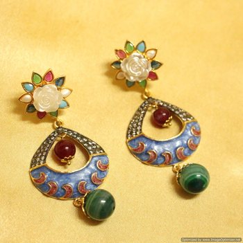 Gorgeous Flower Cut Enameling Earrings