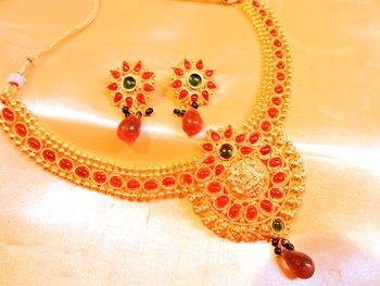 ruby festive necklace set