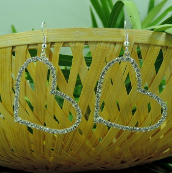 Latest Designer Heart Shpe Silver Crystal Earring