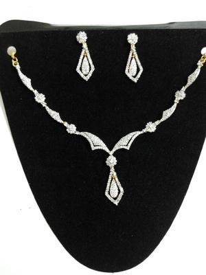 delicate americian diamond set