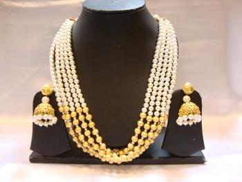Design no. 10b.4060....Rs. 4500