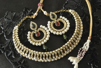 Kundan Necklace with Dangling Maroon & Green Colour Earrings