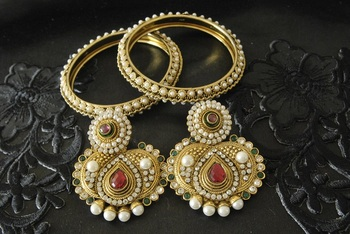 JevantaBai's Traditional Maroon & Green colour Earings & Gold Plated Bangles
