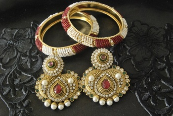 JevantaBai's Traditional Maroon & Green colour Earings & Gold Plated Beaded Bangles