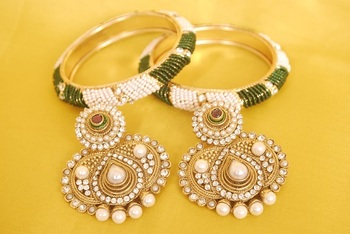 JevantaBai's Traditional Maroon & Green colour Earings & Gold Plated Bangles with Green & White Beads