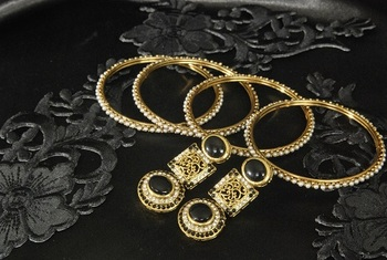 Gold Plated Handcrafted Black Colour Earrings & 4pcs set Bangles