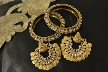 Ram Leela Pearl Earrings with Stone Bangles