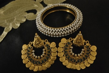 Ram Leela Green colour Earrings & Moti studded Kada