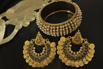 Ram Leela Green colour Earrings with Pearl Kada