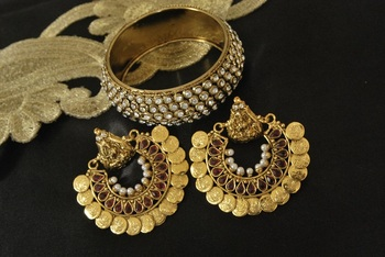 Ram Leela Maroon colour Earrings with Gold Plated Stones Kada