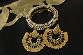 Ram Leela Black colour Earrings with Gold Plated Kada studded with Pearl