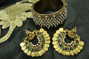 Ram Leela Maroon & Green colour Earrings with Gold Plated Stones Kada
