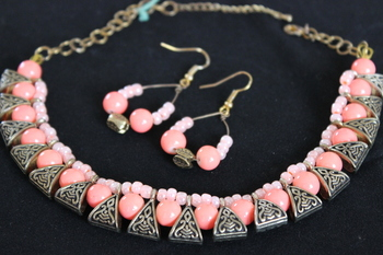 Peach Choker Necklace Set
