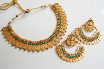 BEAUTIFUL GREEN COIN NECKLACE WITH RAM LEELA EARRINGS