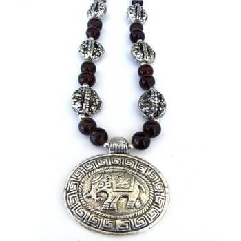 Elephant Pendant necklace: Brown/026