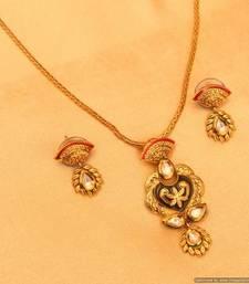 Antique Gold Kundan Meenakari Pendant Set