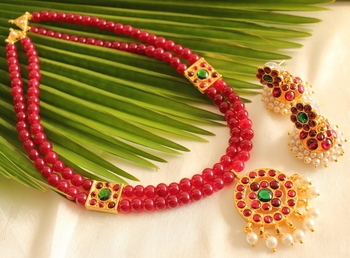 Red Beaded Jewellery Necklace Sets