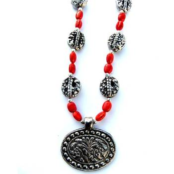 Flower Pendant necklace: red/030