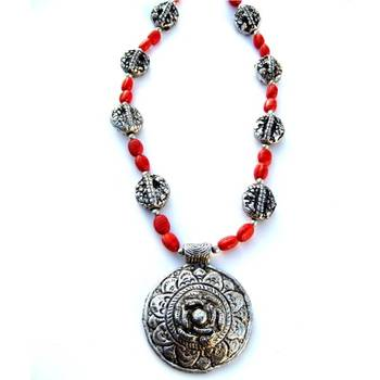 Flower Pendant necklace: Red/040