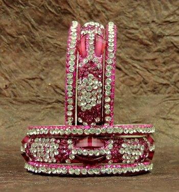 Fashio0ble Rajasthani Rani Crystal Lakh Bangels