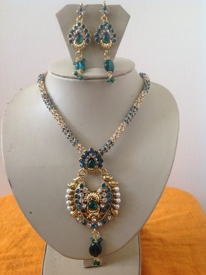 Indian designer necklace set with kundan earrings