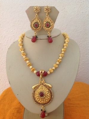 Indian designer necklace set with kundan earrings