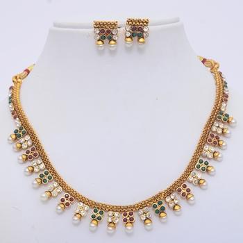 Elegant Polki Necklace Set