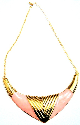 Pink alloy necklace