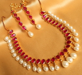 BEAUTIFUL UNCUT RUBY GOLD DESIGN INSPIRED NECKLACE SET